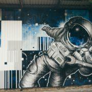 Граффити оформление склада компании «Бизнес связь» в Сочи.