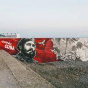 Граффити_оформление_пляжа_в_Сочи_Фидель_Кастро